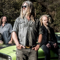 Pepper Keenan guests on the show this week!